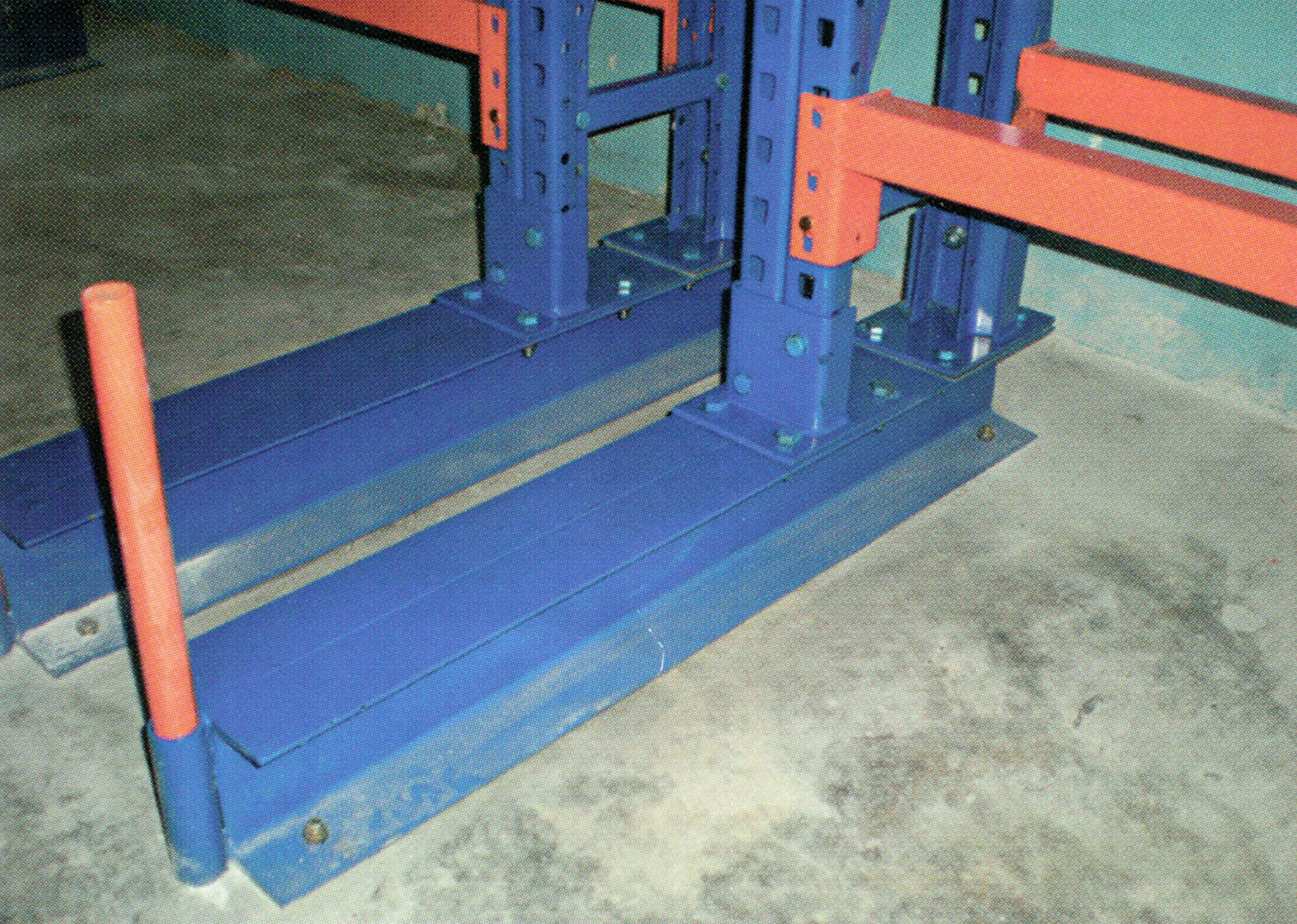 Extended Base and Braces will re-enforce these racks stability & rigidity